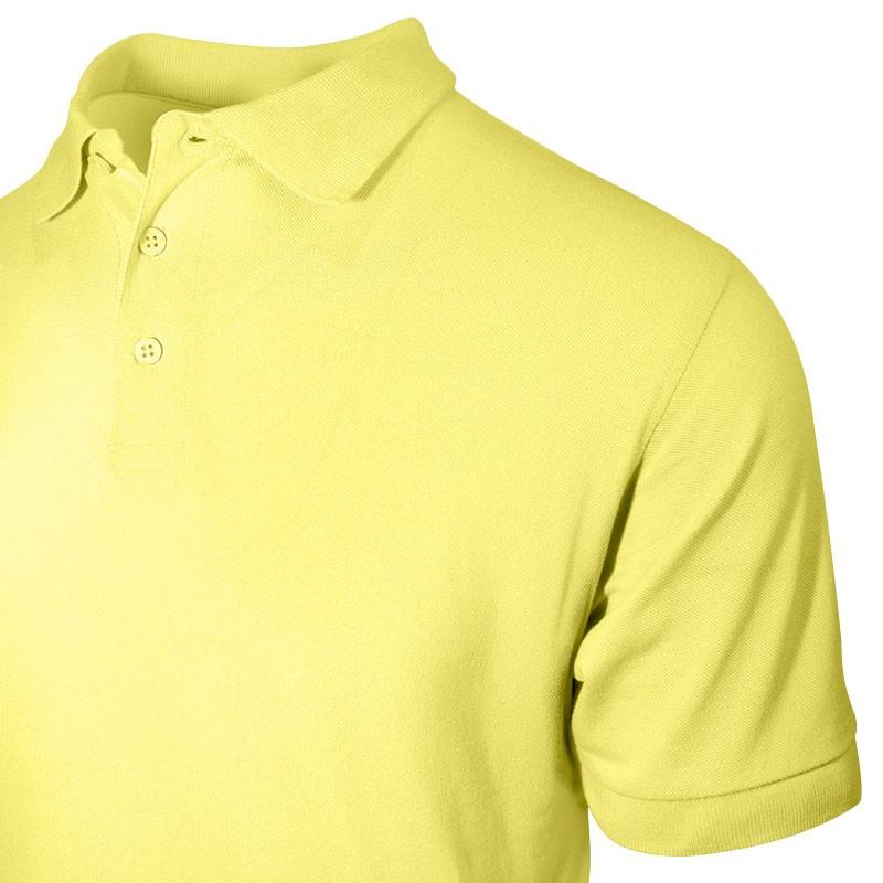 Polo homme jaune détail du col et des boutons