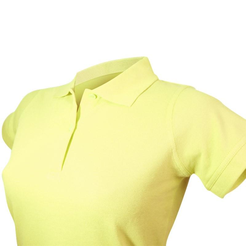 Polo femme vert lime détail col et des 3 boutons