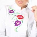 zoom veste de cuisine femme blanche fleur