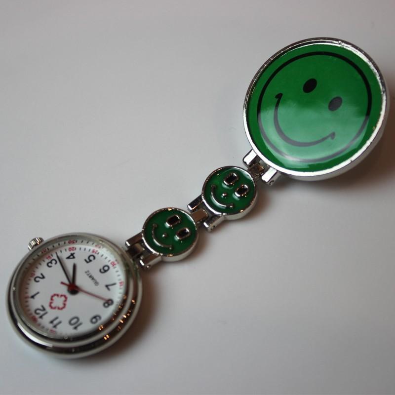 Montre infirmiere smiley vert