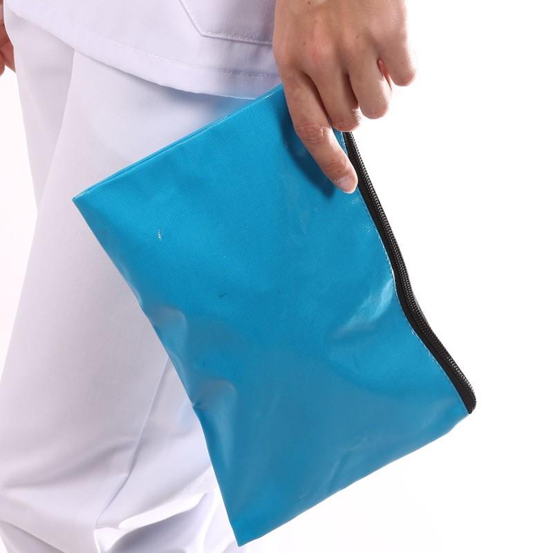 pochette esthéticienne bleue