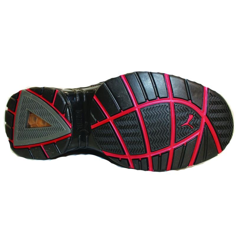 Chaussures de sécurité PUMA Velocity Low S3, les semelles sont résistantes avec choc anti talon, antiperforation.