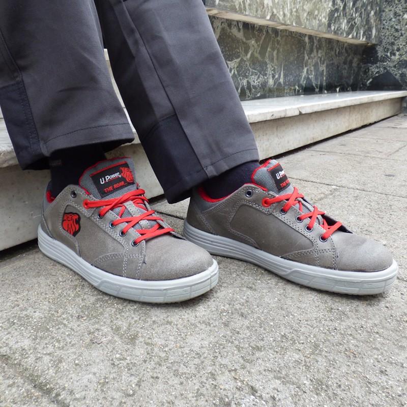 Basket de sécurité S3 grise et rouge cuir. Fini une tenue de travail car look épuré.