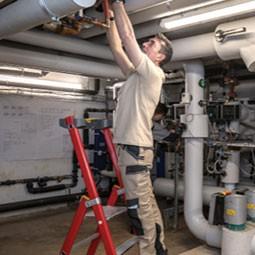 vetement de travail plombier, salopette plombier, pantalon plombier, chaussure de securite plombier